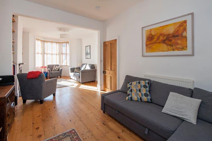 Spacious & Central Southville Home - Bristol - Dům