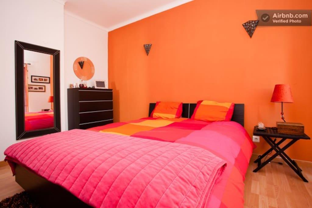 Quatro com cama de casal/ Double Bedroom