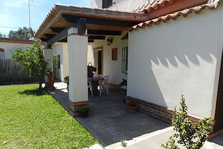 Casa de vacaciones-zona exterior y espacio parking - Conil de la Frontera - Vakantiewoning