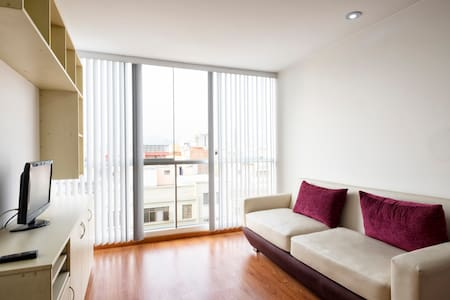 Bedroom for two w/private bathroom - Lince - Apartment