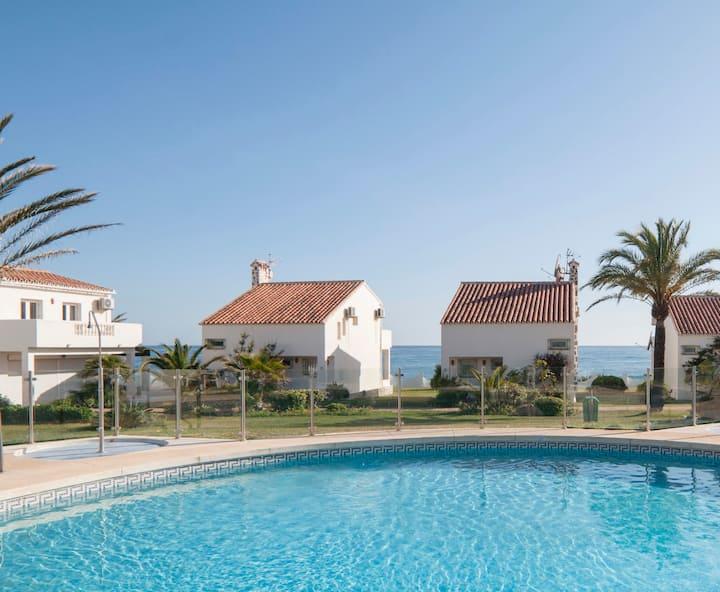 Casa en la Playa con  Piscina a 10 metros del mar!