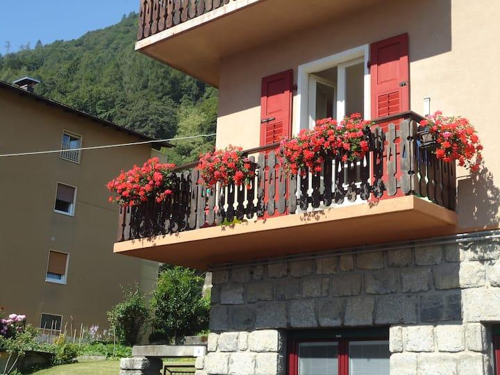 Ampio appartamento con balcone