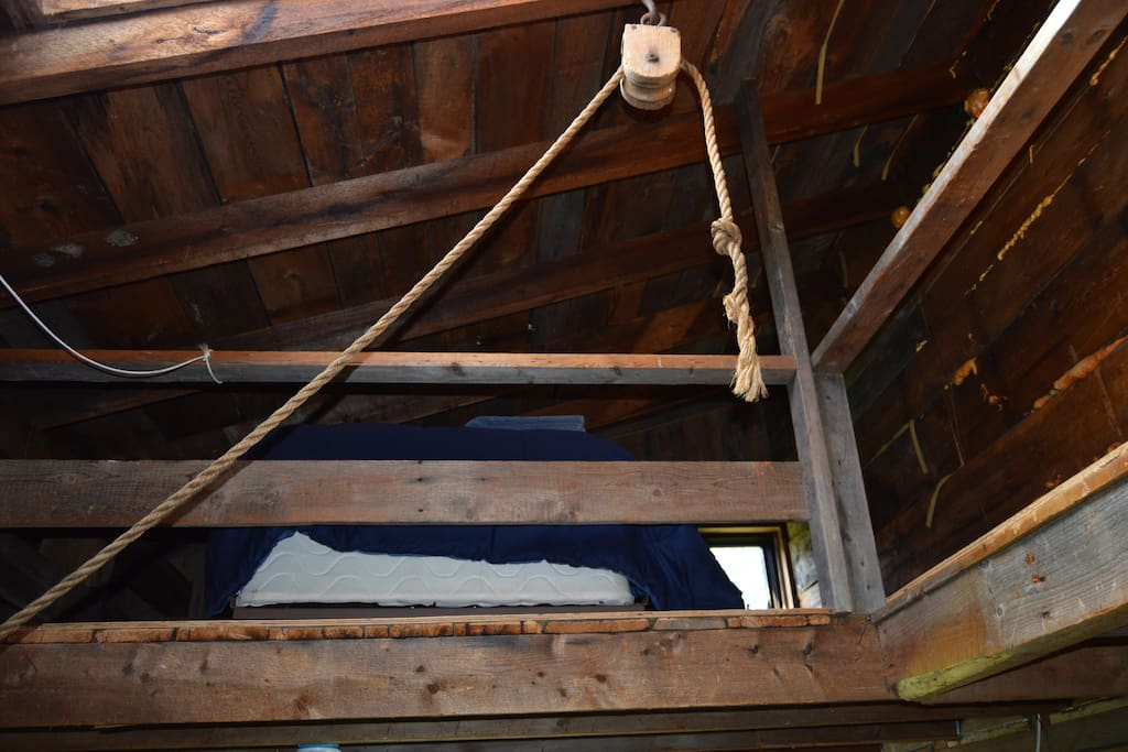 Loft area- there are two sides to the loft, both have a twin bed in them