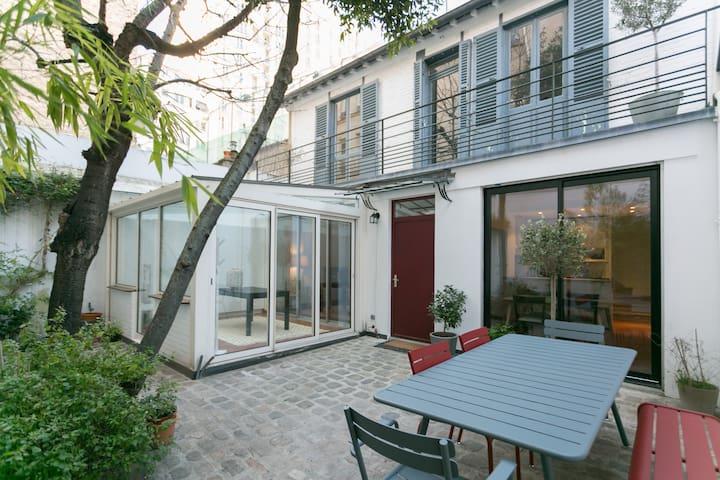 Maison avec cour arborée - 14eme - Paříž - Dům