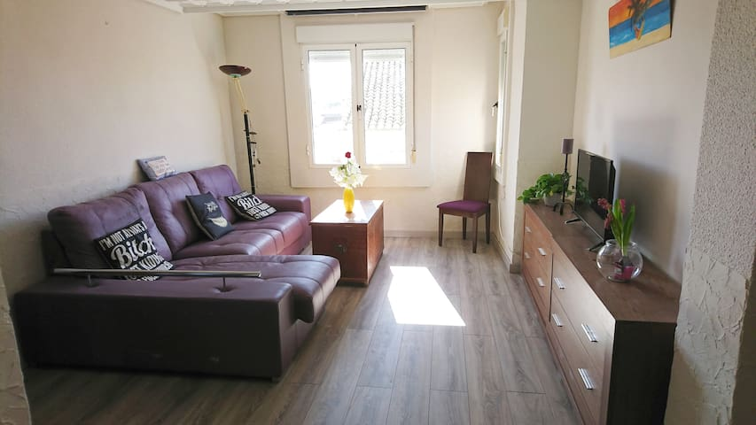 Bright Flat with balcony (25km from the beach)