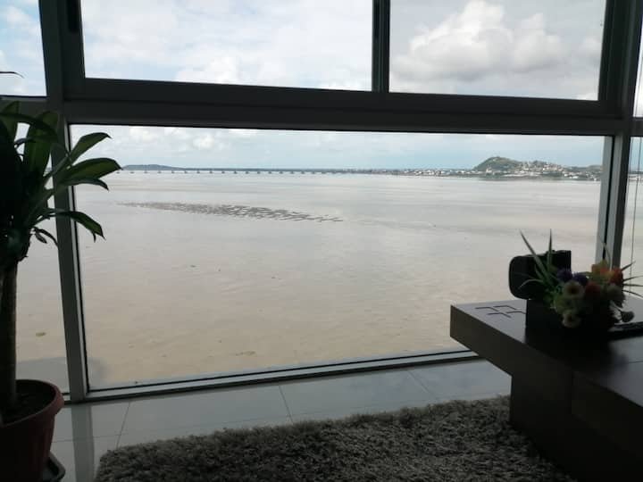 New River View suite Puerto Santa Ana Guayaquil