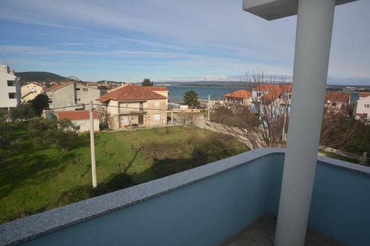 One bedroom apartment with terrace and sea view Kraj, Pašman (A-16741-a)