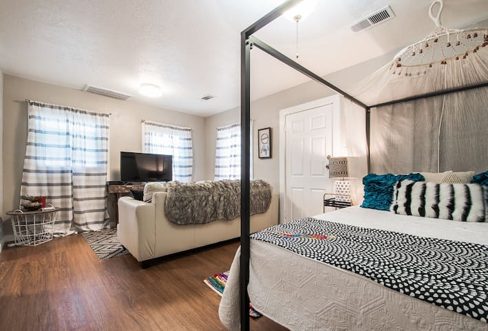The SASSY Studio • blocks from Texas A&M Campus!