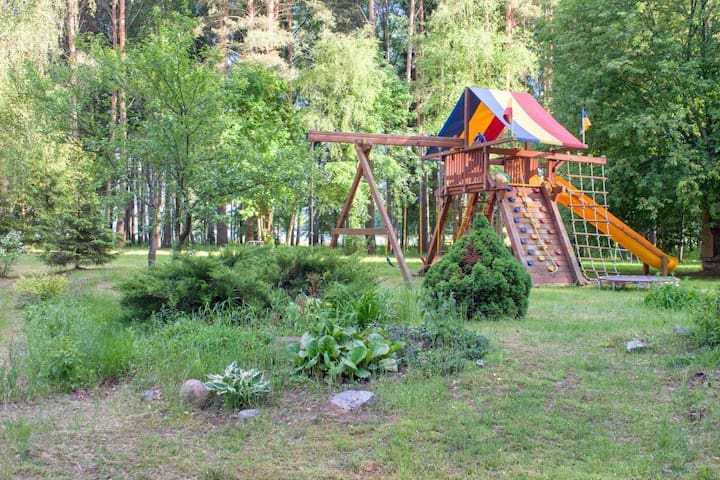 Домик на берегу Иваньковского водохранилища