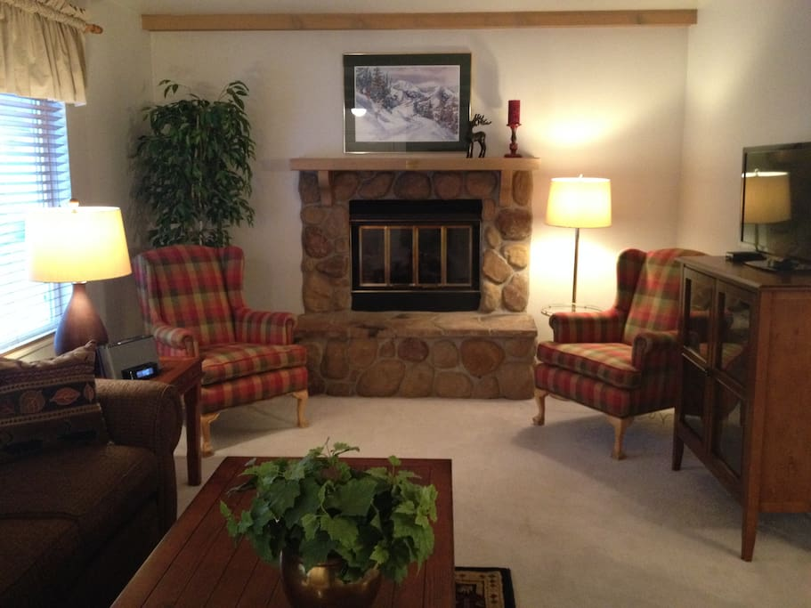 Gas fireplace in living room with auto start