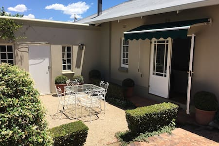 Spacious 2 bed house in Parkhurst. - Randburg