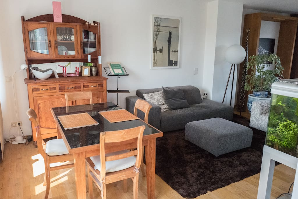 Essbereich und Couch