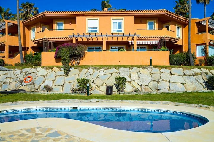 Casa Bonita - pokój dwuosobowy - Estepona - Huvila