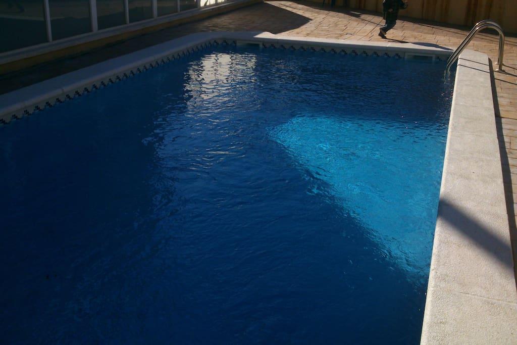 Apartamento con piscina en segur de calafell - Camping piscina climatizada catalunya ...