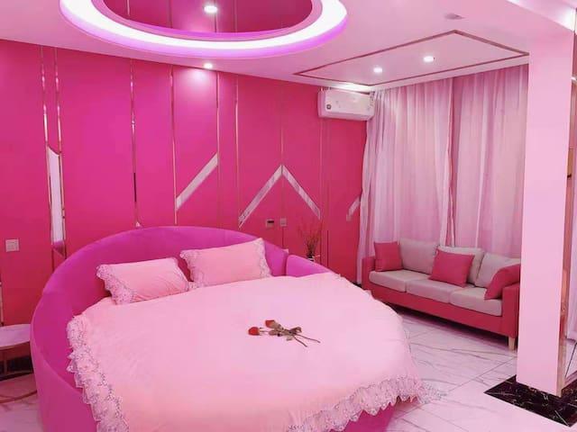 浪漫美少女粉色主题日租房