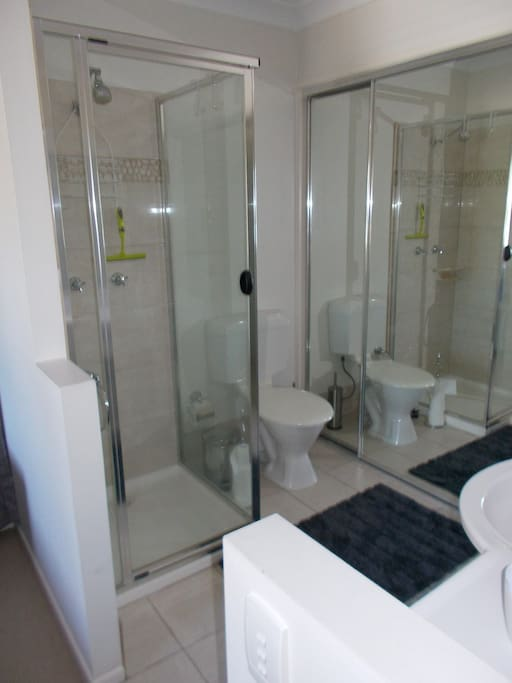 Bathroom Shower/Toilet