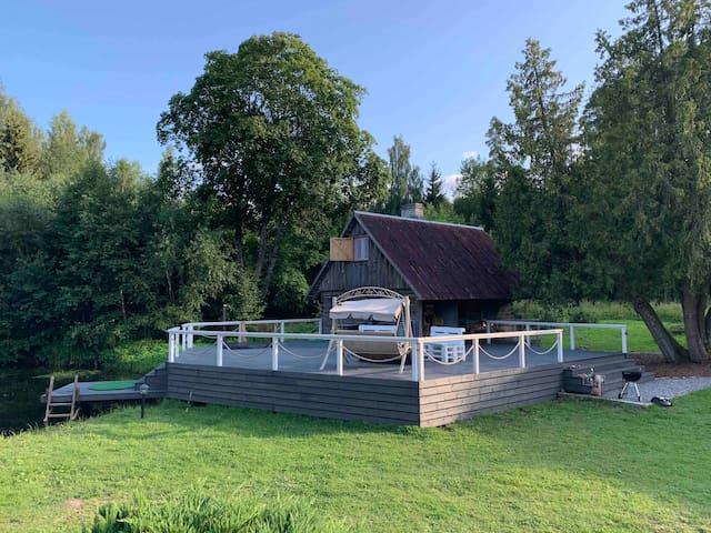 Markuse Resthouse with sauna & hot tub