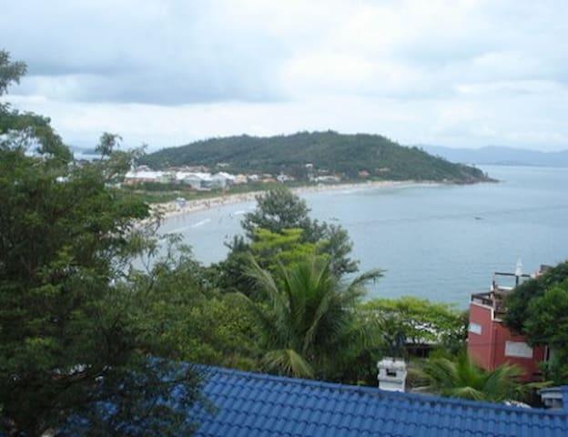 Duplex 3 praia da Lagoinha p/ 4 pessoas vista mar