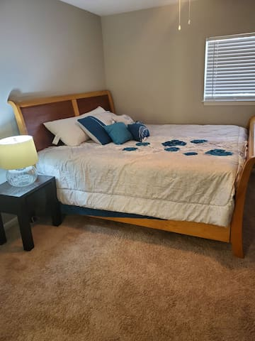Master Bed, King size Bed, Private bath, Roku tv.
