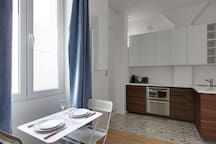Modern & trendy studio in Montmartre