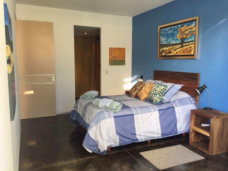 Main Bedroom with matrimonial bed , Walk in closet , badroom , and a little terraze .   Recamara principal con cama matrimonial , walk in closet , baño y una pequeña terraza