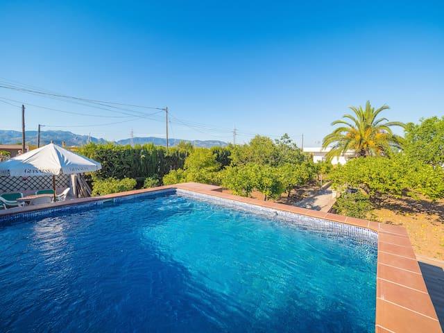 Can Peral ¤ Casa rural con piscina, BBQ y WiFi