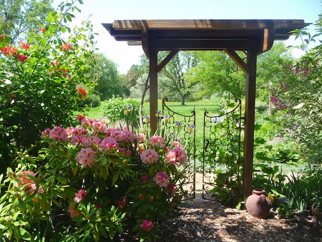 Sweet Garden Cottage, Sonoma County - Graton - Casa