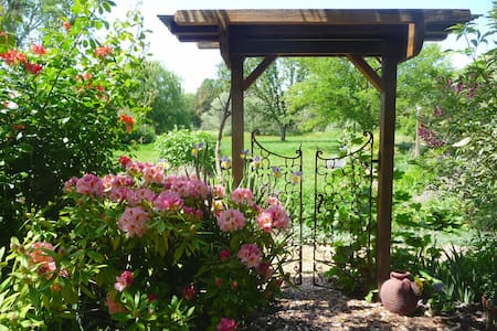 Sweet Garden Cottage, Sonoma County - Graton