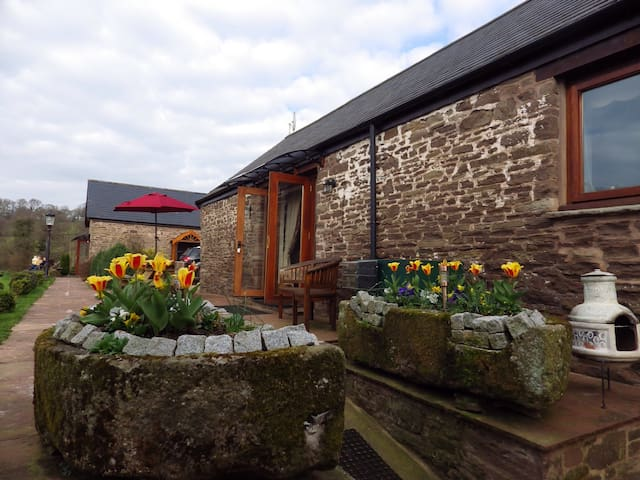 Usk country cottages- rowan cottage - Llangwm - Casa