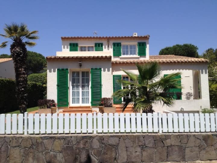 SUPERB INDIVIDUAL VILLA IN THE CALM OF THE PINEDE, 15MIN FROM THE BEACH, SWIMMING POOL - CAP D'AGDE - ref: Villa S