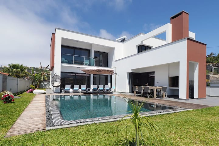 Luxury Villa-heated pool - Sea view -Ponta do Sol