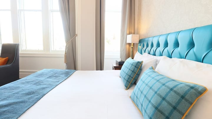 Fabulous Executive Room with breakfast heart of the city center