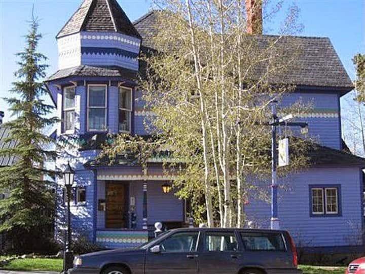 Colorado Trail House - Single Bunk #1 Mixed Dorm