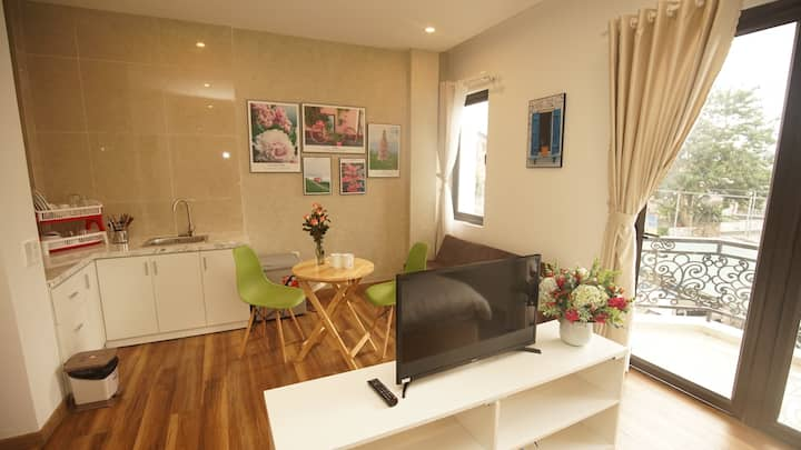 Studio with balcony-Quiet-600m to Dalat market