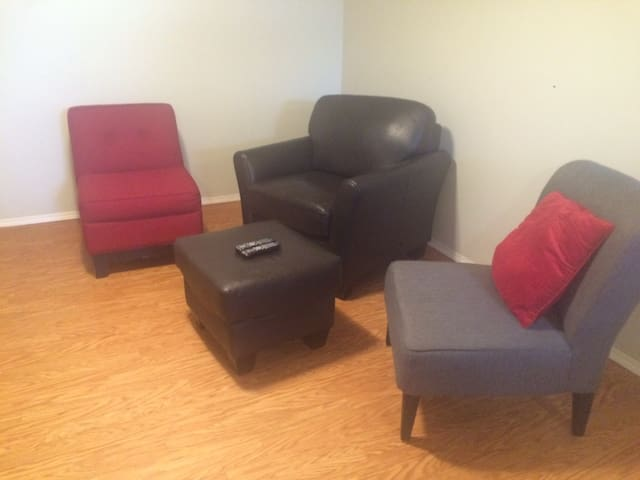 Clean & Quiet Basement Suite - Saskatoon - Wohnung
