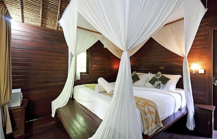 Private & Cozy Bungalow @ Nicho's B&V - NB01 -  Nusa Lembongan - Leilighet