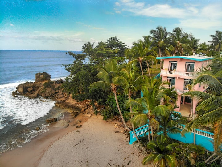 "Beachfront Apartment at Pools Beach Rincon ""Surf"""