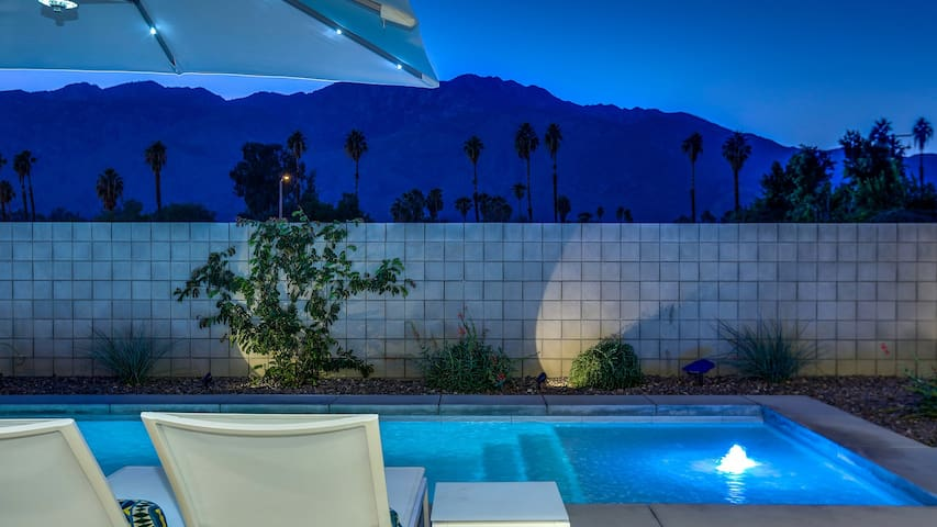 Modern Distinction in South Palm Springs