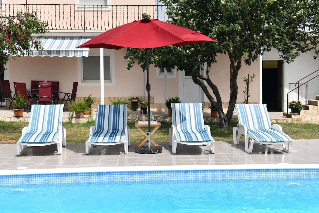 Holiday home Miramary- private pool,sun deck, barbecue