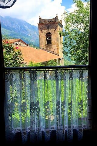 """""""Il Rintocco"""" Casa con vista sulle Alpi Apuane"""