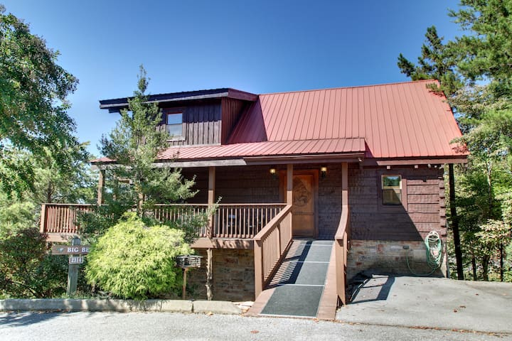 4 bedroom big bear cabin close to parkwy