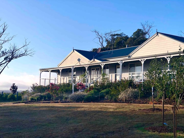 Luxury farm stay on 25 acres near Daylesford