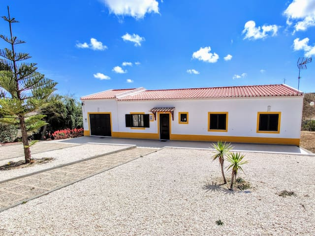 Beautiful Country House and Beach (Algarve&Sagres)