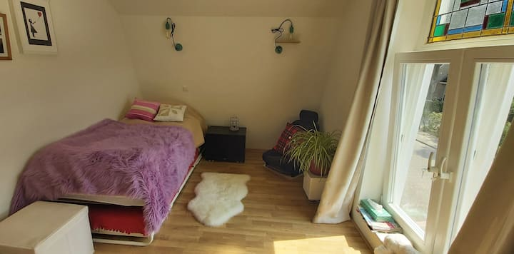 Private room close to Amsterdam/Hilversum/ Utrecht