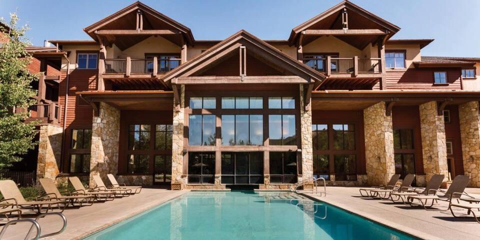 Amazing resort, excellent location, 2 bedroom