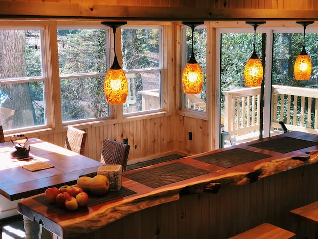 Beautiful Linville Cozy Cabin: Outdoor Paradise