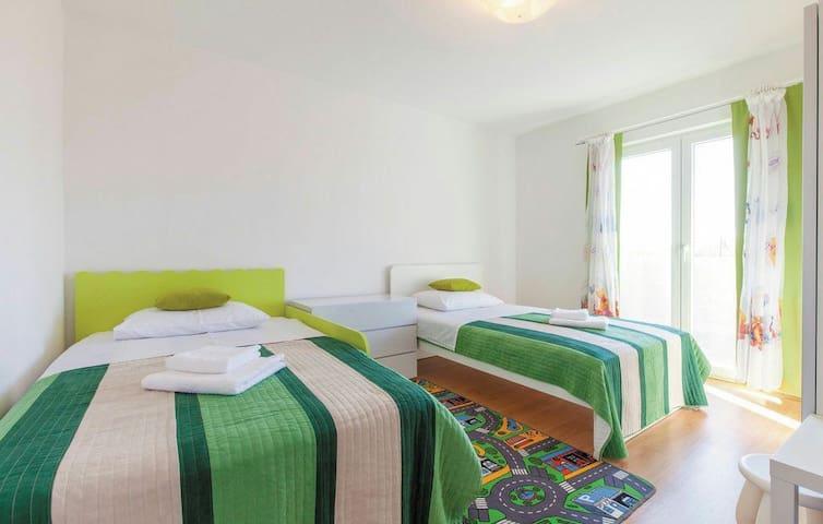 HolidayHouseFILOMENA Special price - Žrnovnica - House