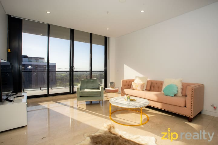 11 mins to Sydney Airport Luxury Apartment