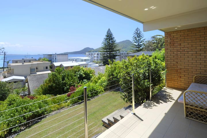 The Crest,  Unit 1/6-8 Tomaree Road