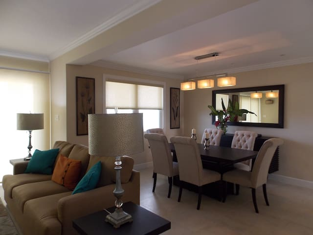 Luxury seaview 2 bedroom penthouse - Montego Bay - Apartament